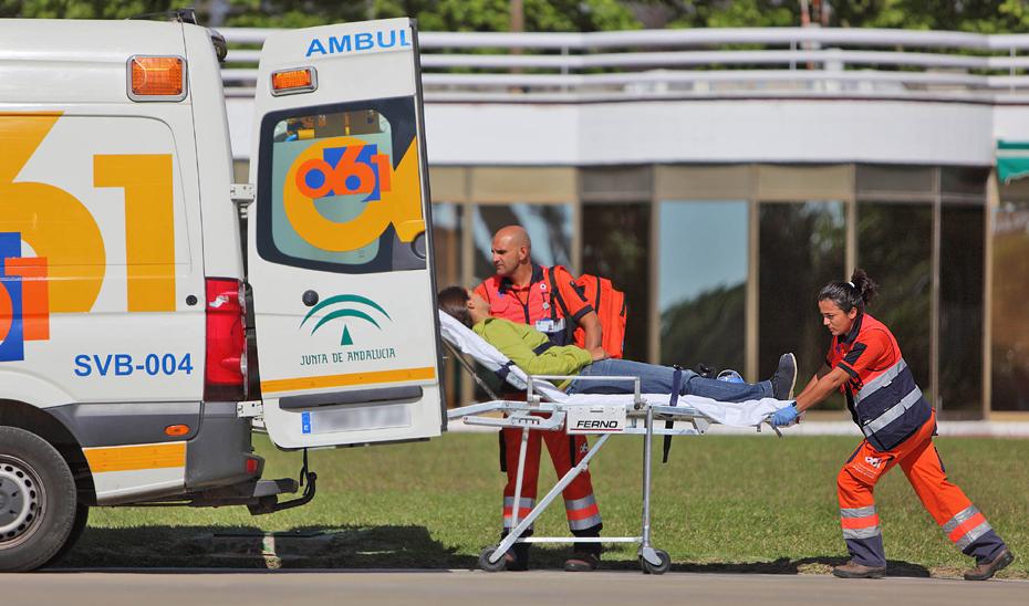 Dos heridos tras el incendio de una bombona en un domicilio en Peal de Becerro