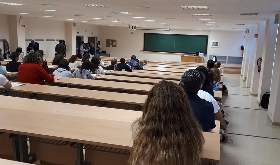 Aspirantes a una plaza en la Administración andaluza, durante un examen.