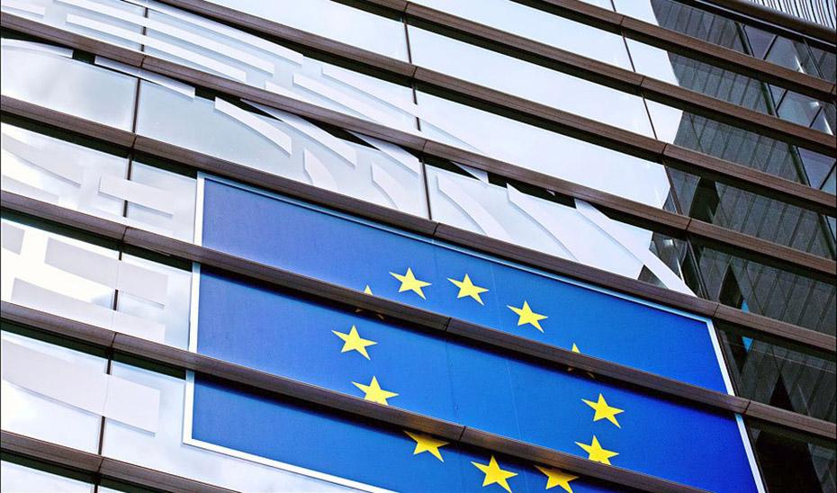 El informe estima un impacto negativo de 1,3 puntos en el PIB andaluz si se retrasa la llegada de los fondos europeos de recuperación.