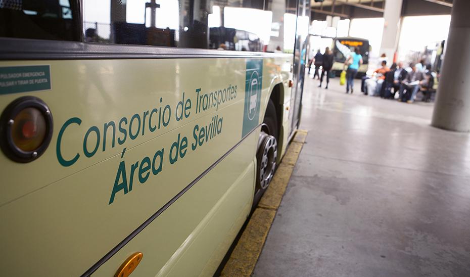 Autobús del Consorcio de Transportes del área metropolitana de Sevilla.