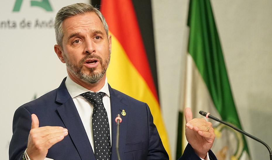 El consejero de Hacienda y Financiación Europea, Juan Bravo, en una comparecencia pública.