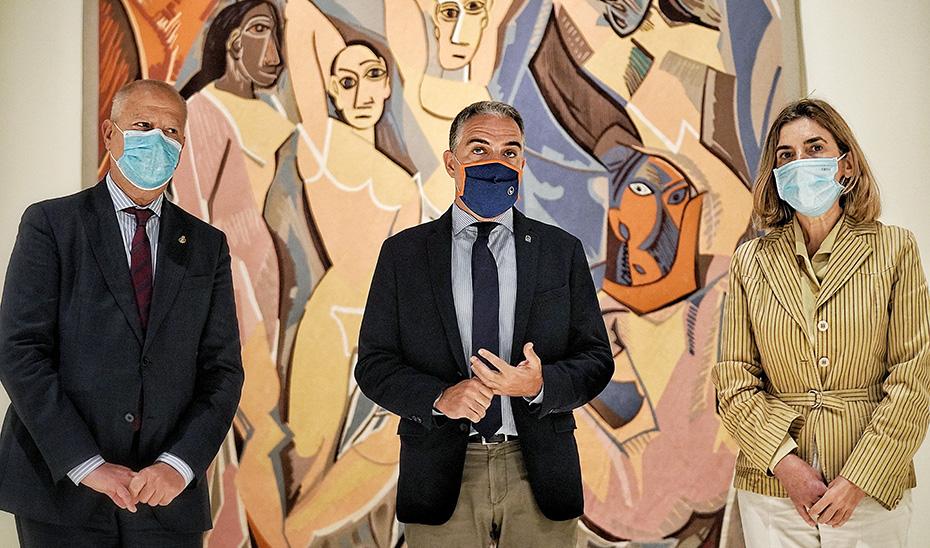 Los consejero Imbroda, Bendodo y Blanco, en el Museo Picasso Málaga.