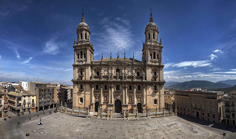 Trasladado al hospital un trabajador tras sufrir un accidente en la Catedral de Jaén