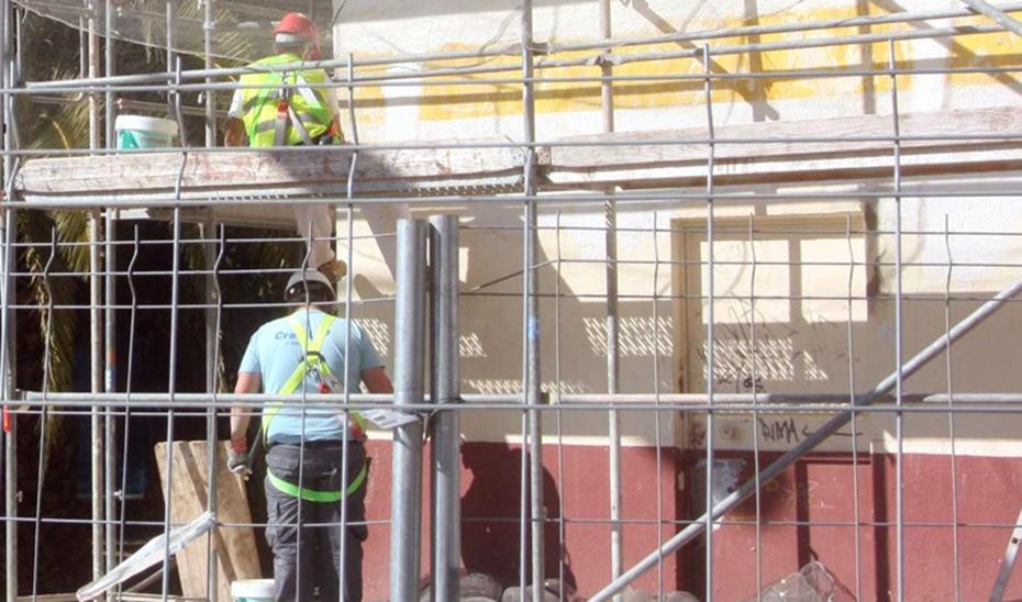 EPA: Baja el paro en Andalucía y se crean 102.400 empleos