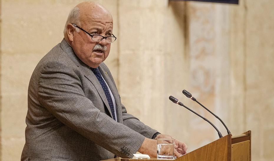 Aguirre, durante su intervención desde la tribuna del salón de plenos del Parlamento.