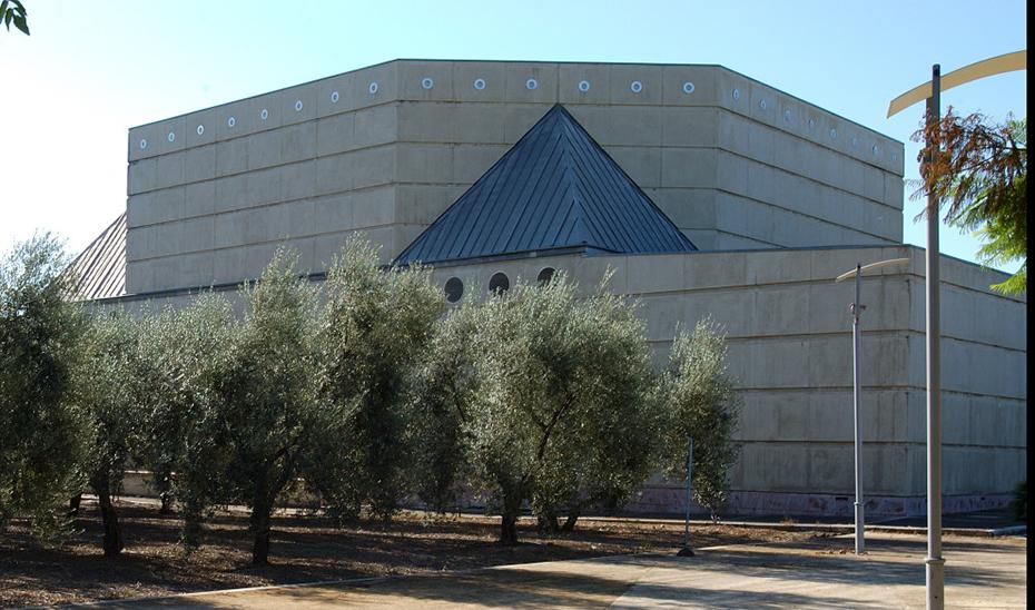 El Pabellón del Siglo XV de la Exposición Universal de Sevilla, situado en la Isla de la Cartuja.