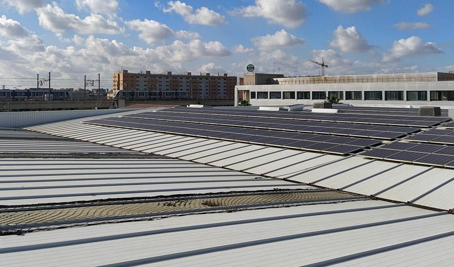 El suministro de energía del Metro de Sevilla procede al cien por cien de fuentes renovables.