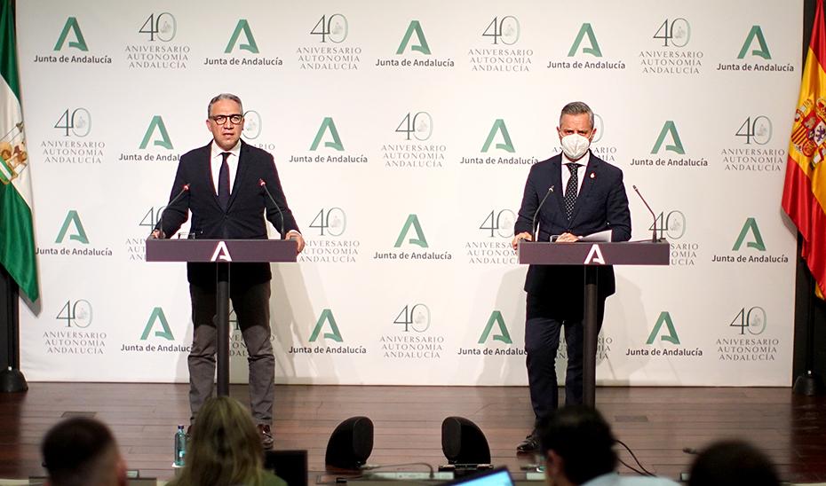 Comparecencia de Elías Bendodo y Juan Bravo tras la reunión del Consejo de Gobierno (vídeo íntegro)