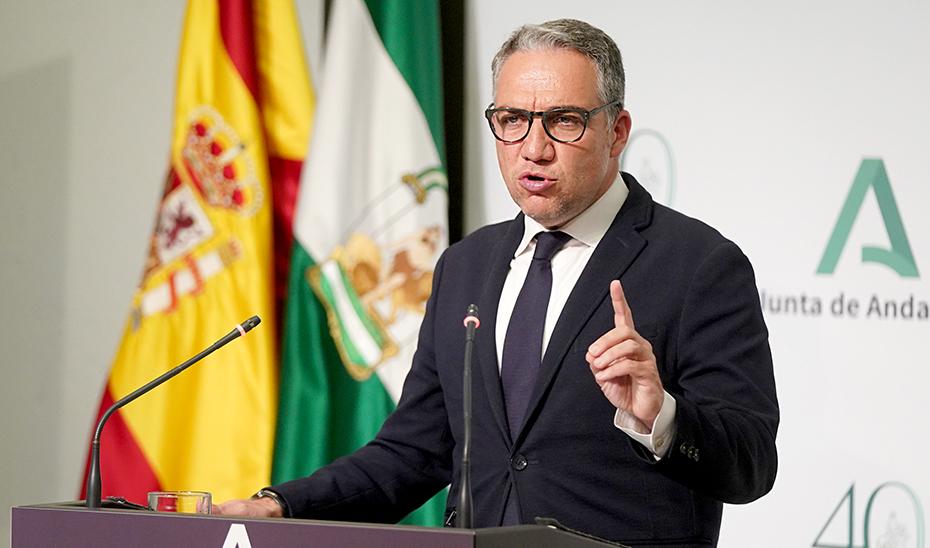 Bendodo informa de que Andalucía está preparada para administrar un millón de vacunas a la semana