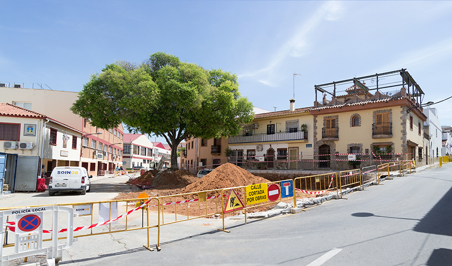 Obras de mejora de la plaza Paco Lara de Alhaurín de la Torre.