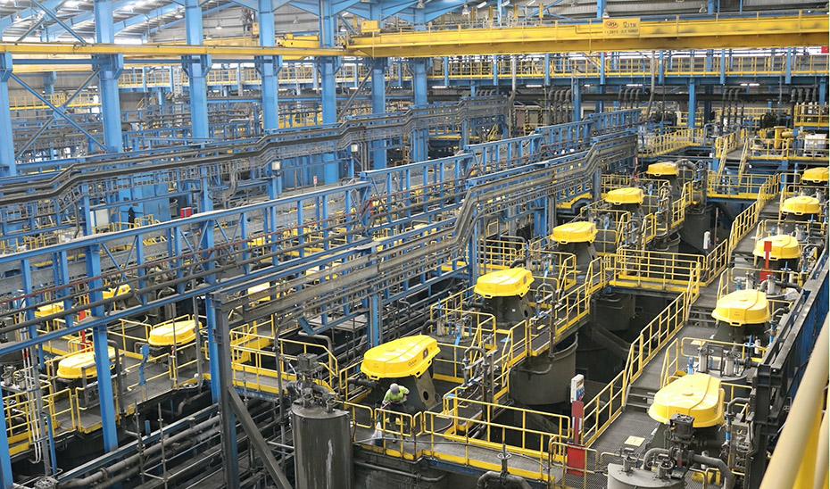 Interior de la planta de tratamiento de mineral de la compañía Minas de Aguas Teñidas (Matsa).