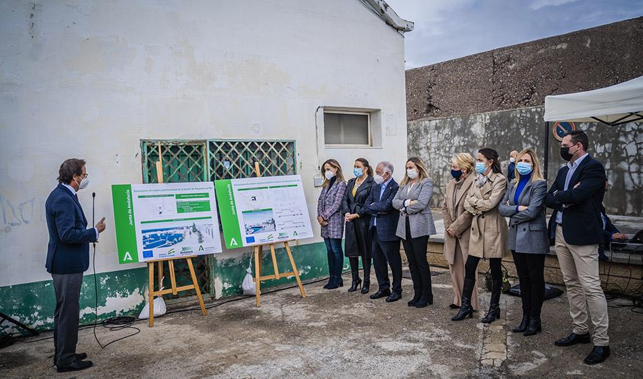 Presentación del proyecto del puerto de Roquetas el pasado mes de noviembre a la que asistieron las consejeras de Agricultura y de Fomento y el alcalde de la población almeriense.