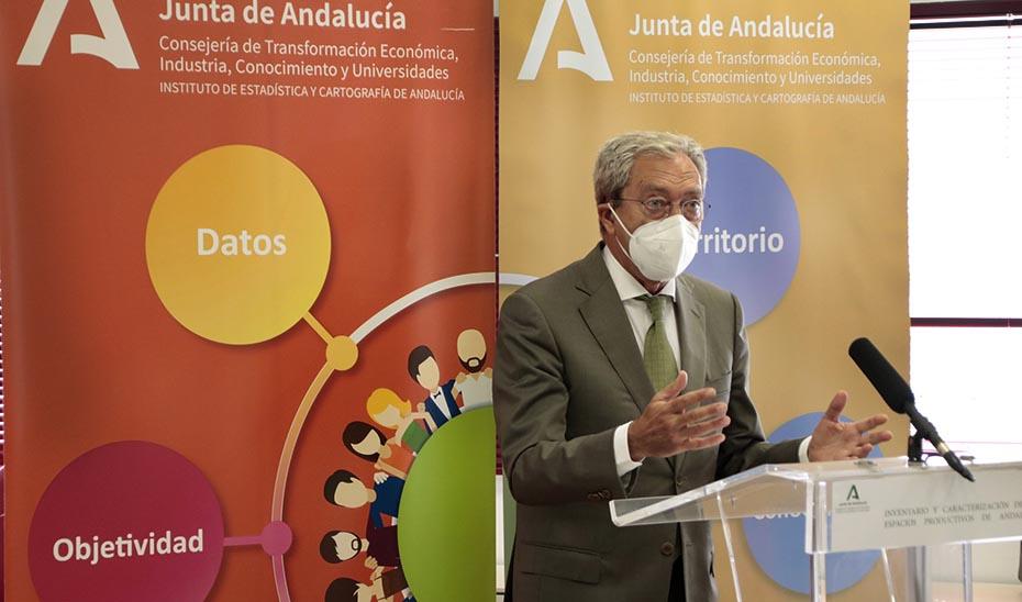El consejero Rogelio Velasco, durante la presentación del visor cartográfico.