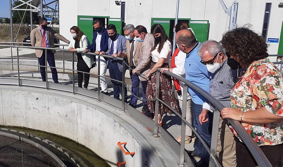 La consejera de Agricultura, Ganadería, Pesca y Desarrollo Sostenible, Carmen Crespo, participó en la entrega de la EDAR de Santaella.
