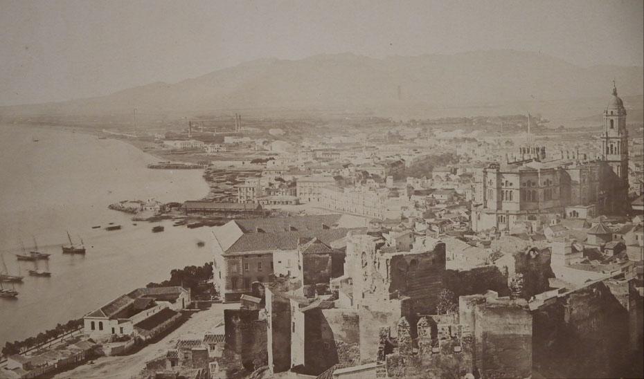 Vista general de Málaga, fotografiada por Luis Masson.