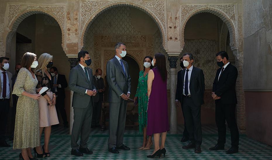 Juanma Moreno acompaña a los Reyes en Granada