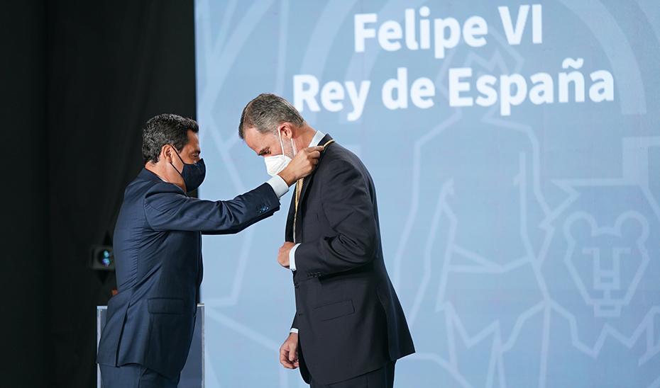 El Rey Felipe VI recibe la primera Medalla de Honor de Andalucía