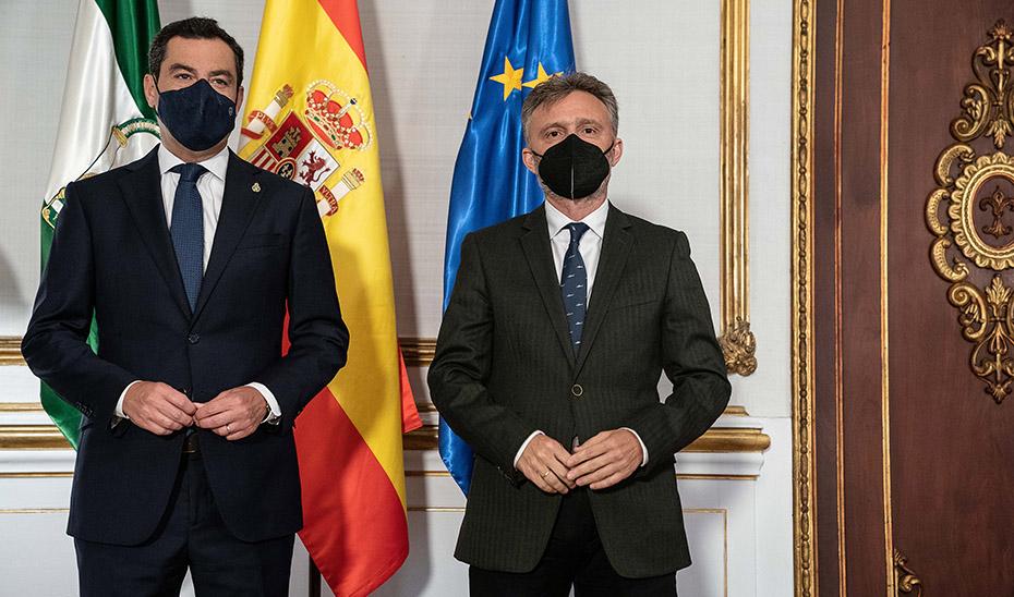 Moreno escucha a los grupos antes de reunirse con Sánchez