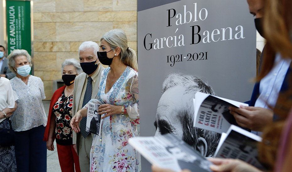 La consejera de Cultura, Patricia del Pozo, presentó las actividades organizadas con motivo del centenario del nacimiento de Pablo García Baena.