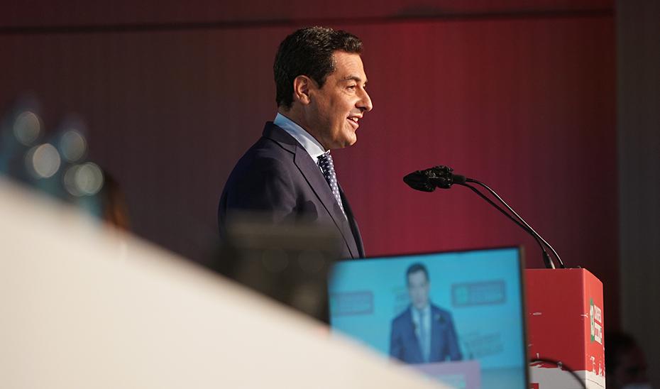 El presidente de la Junta ha apostado por que Andalucía sea uno de los referentes en diálogo social.