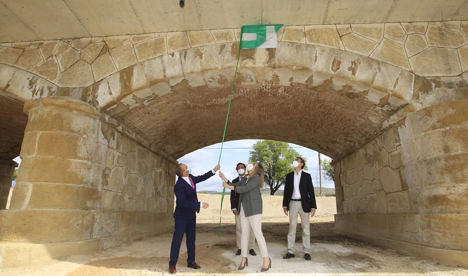 Un momento de la inauguración del nuevo puente de Puebla de Don Fadrique.