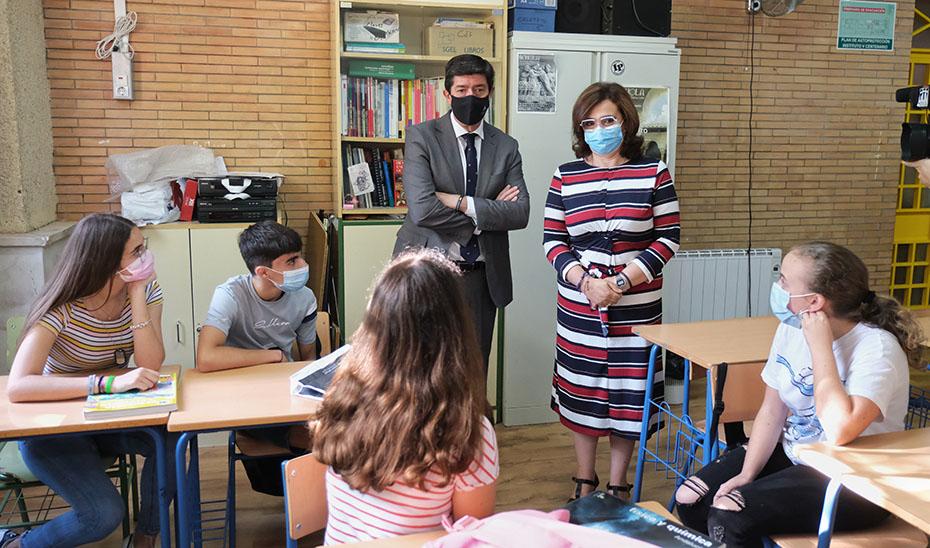 Marín pone sobresaliente al curso escolar más difícil de la historia de la Educación en Andalucía