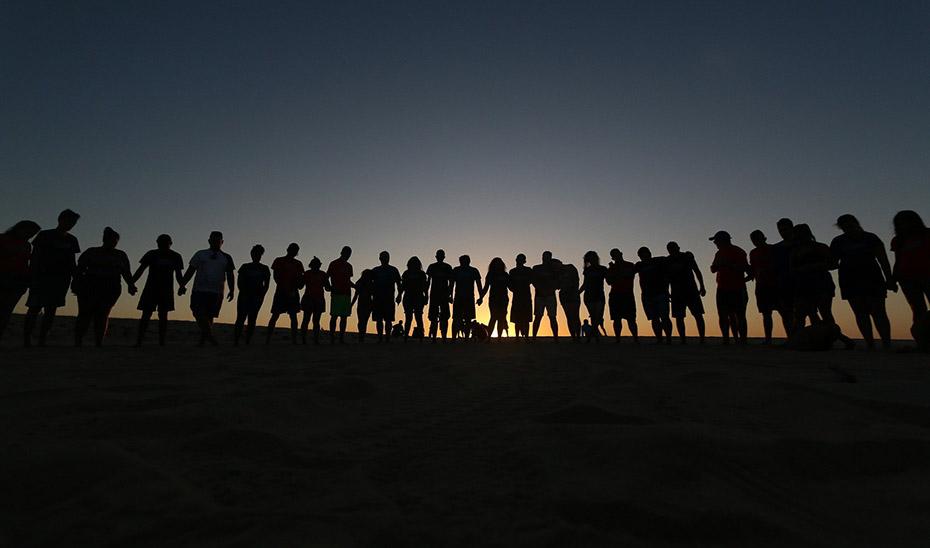 El 42% de los jóvenes señala que el confinamiento por la pandemia afectó negativamente a sus relaciones sociales y de amistad.