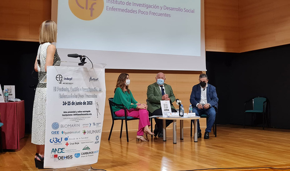 Aguirre inaugura un congreso sobre Enfermedades Raras