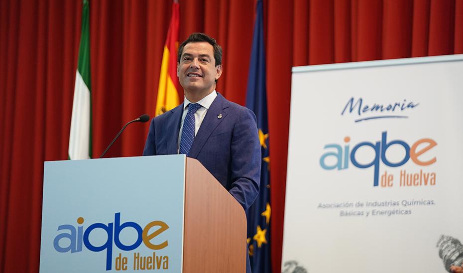 Moreno destaca el salto industrial que está dando Andalucía, que cuenta con 17 grandes proyectos por valor de 8.600 millones