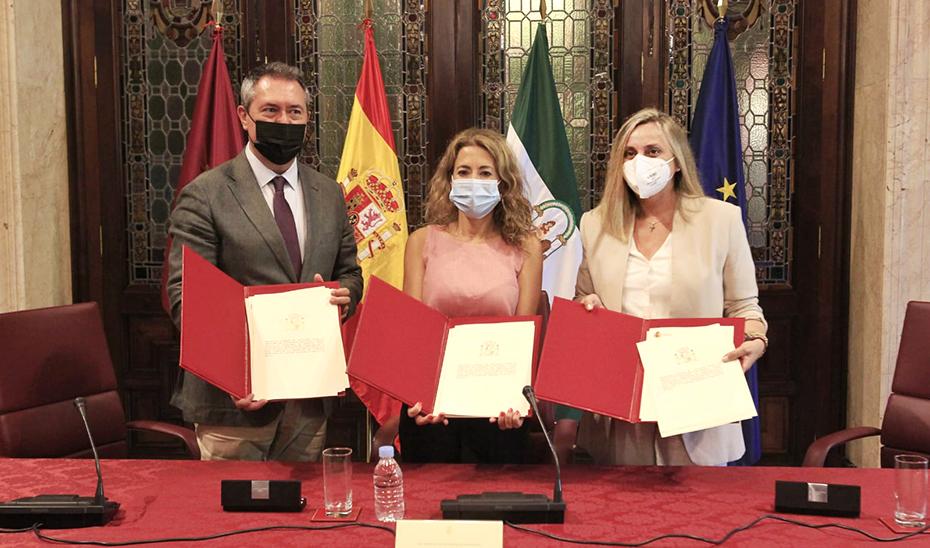 La Junta ofrece al Gobierno un pacto por el suelo y la vivienda