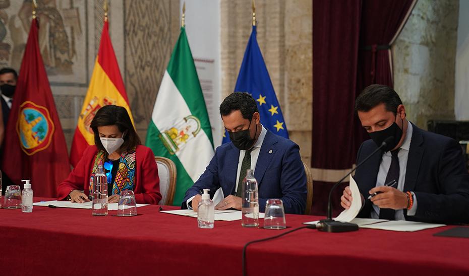 Firma para la implantación en Córdoba de la futura Base Logística del Ejército de Tierra.