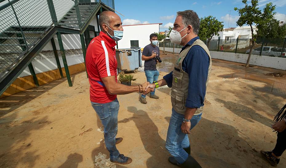 Bendodo anuncia que el Gobierno andaluz articulará líneas de ayudas para los afectados por el temporal en la provincia de Huelva