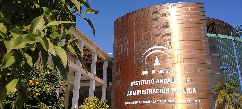 Fachada del edificio del Instituto Andaluz de Administración Pública
